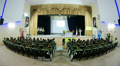 تجلیل از سربازان برتر پادگان آموزشی بیگلری در جشن روز جوان سرباز+تصاویر